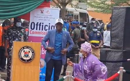 Lagos state governor, Babajide Sanwo-Olu gifts veteran actress, Iya Awero, a three-bedroom apartment