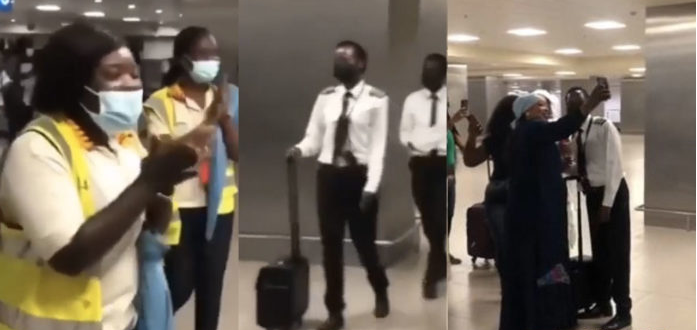 Female pilot applauded after landing airplane safely despite bad weather (video)