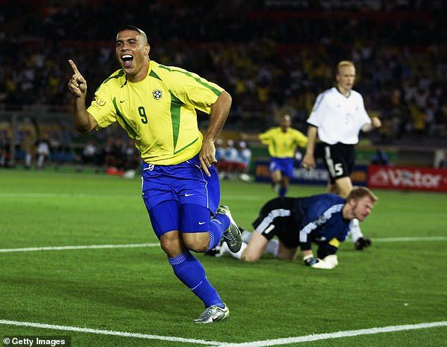 """?I apologise to all mothers"""" - Brazilian soccerstar, Ronaldo apologises for """"horrible"""" 2002 World Cup haircut"""