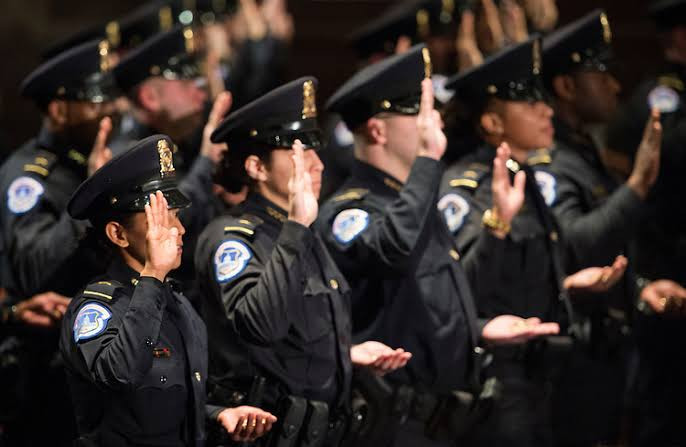 """US Capitol police """"struggling"""" after second deadly attack, with many set to retire or change jobs - Police union chief says"""