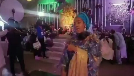 Billionaire daughter, Fatima Dangote-Abubakar rocks the dance floor at a wedding in Kano (video)