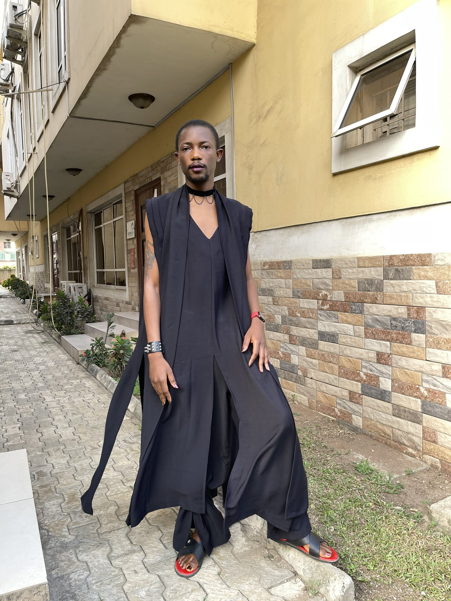 Tech entrepreneur, Ezra Olubi, causes a stir with his outfit to a friend