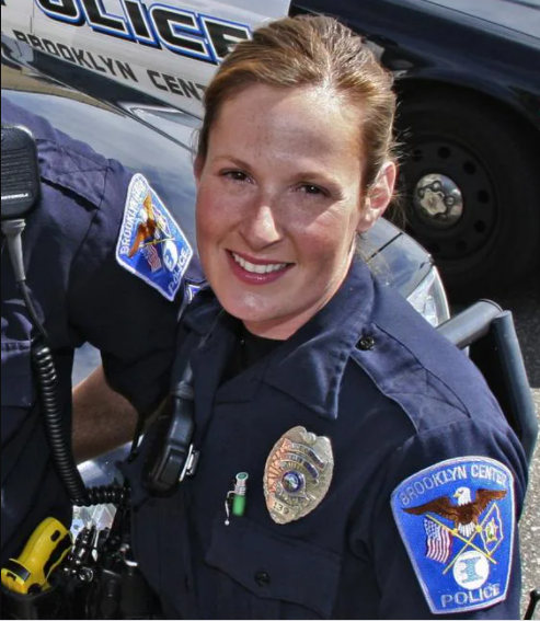 Female Police officer who fatally shot Daunte Wright identified as Kim Potter