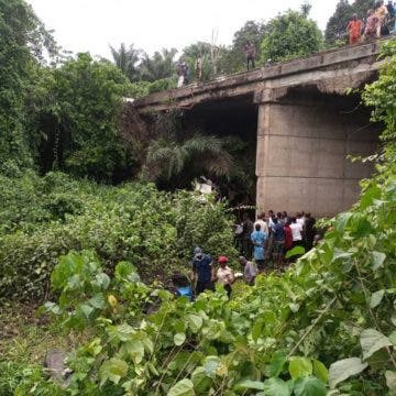 Newly wed man, four others die as 18-seater bus plunges into river in Ondo