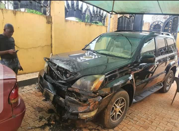Palace of Igwe Ifitedunu in Dunukofia razed by unknown gunmen