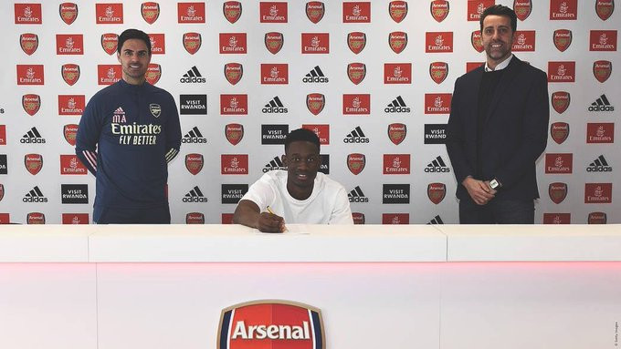 Nigerian striker, Folarin Balogun signs new long-term deal with Arsenal