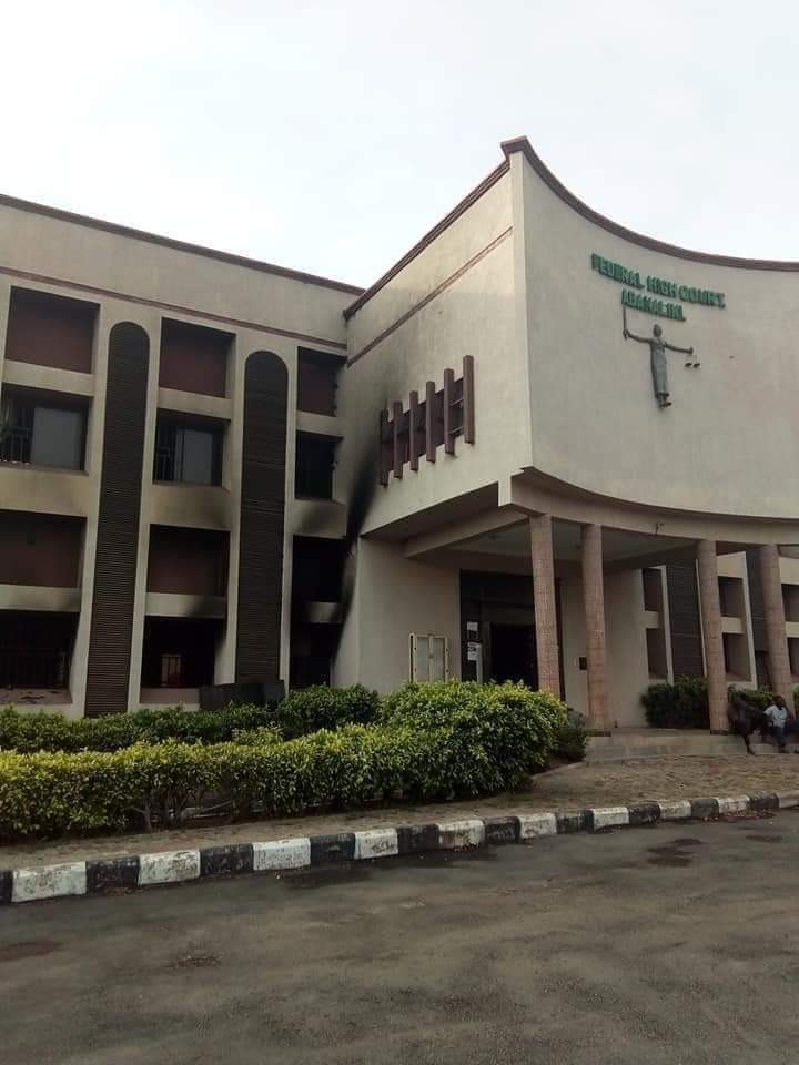 Gunmen raze Federal High court Abakaliki (photos)