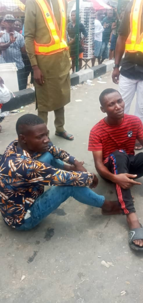 Vigilante arrest two notorious criminals terrorizing market in Bayelsa
