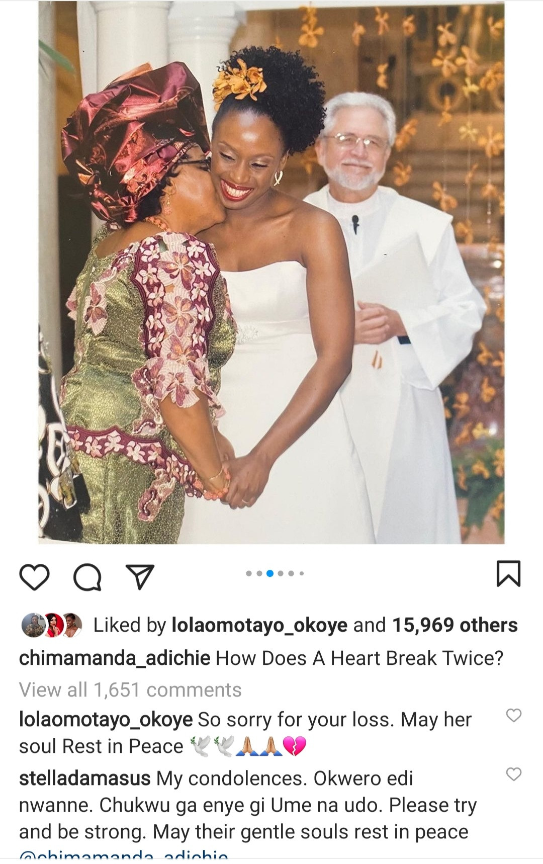 """How does a heart break twice?"" Chimamanda Adichie mourns as she narrates how her mum died 8 months after her dad"