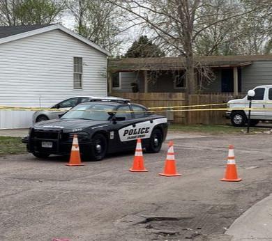 Man shoots six including girlfriend before turning gun on himself