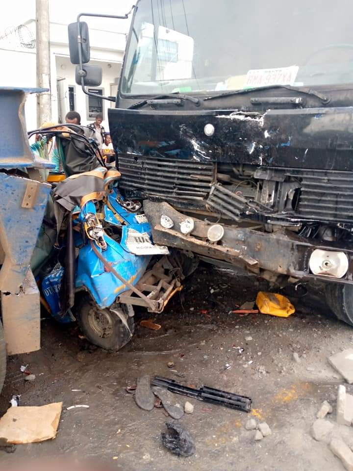 One killed as truck rams into tricycle in Delta