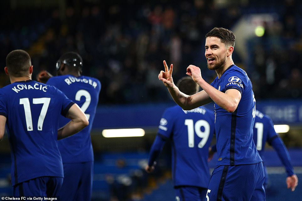 Chelsea defeated Leicester City 2-1 in Stamford Bridge