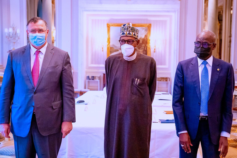 President Buhari meets TOTAL chairman, Patrick Pouyanne, in Paris (photos)
