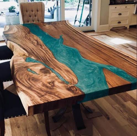Disappointed customer shares photo of table he ordered vs what he got