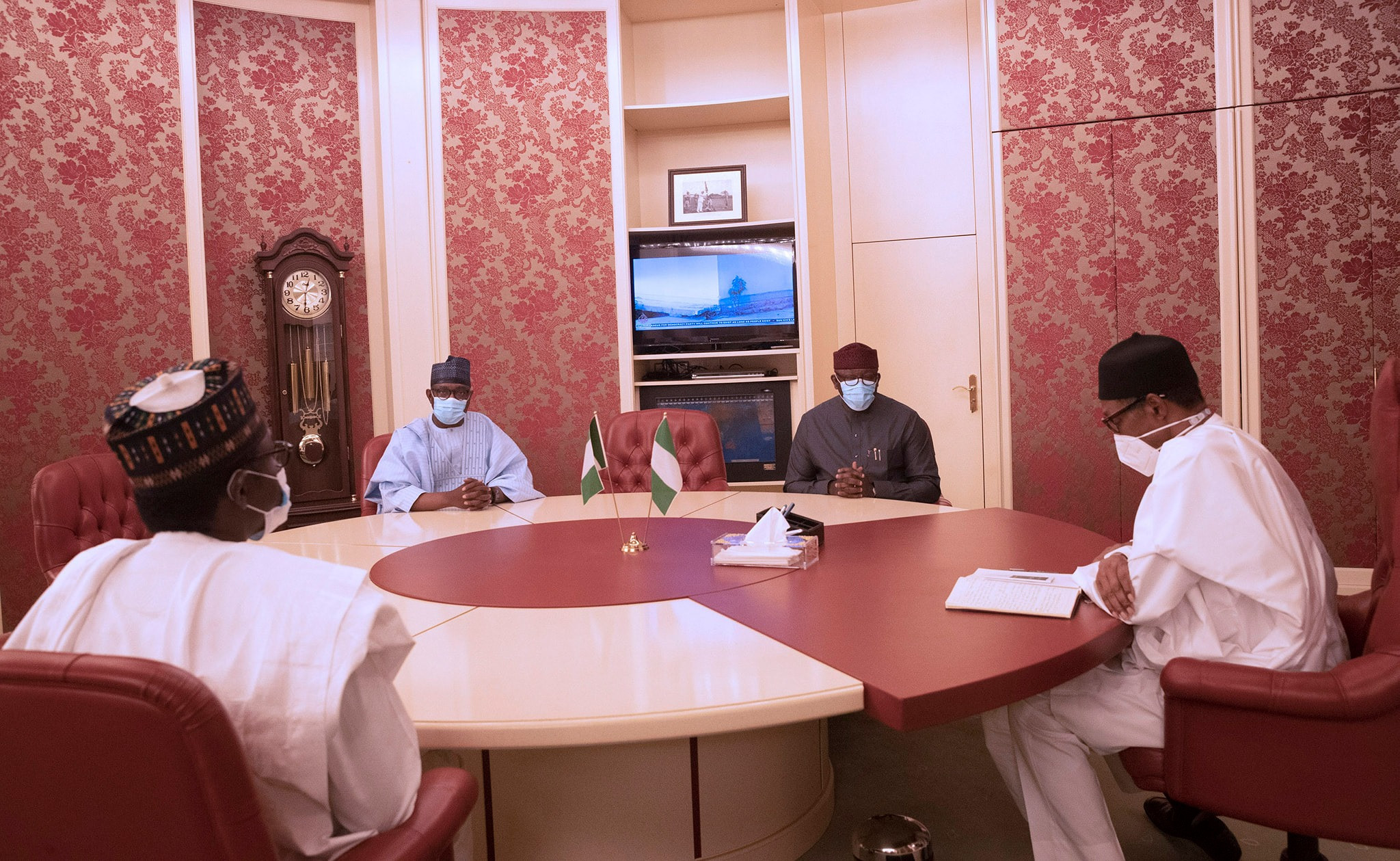 Governors pay President Buhari condolence visit over death of Chief of Army Staff (photos)