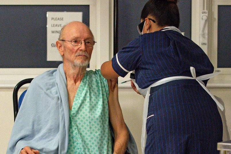 First man in world to get Covid vaccine, William Shakespeare, dies aged 81