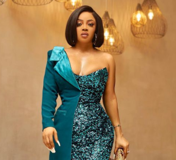 Part of growing up is being able to tell your friends the ugliest truth - Toke Makinwa