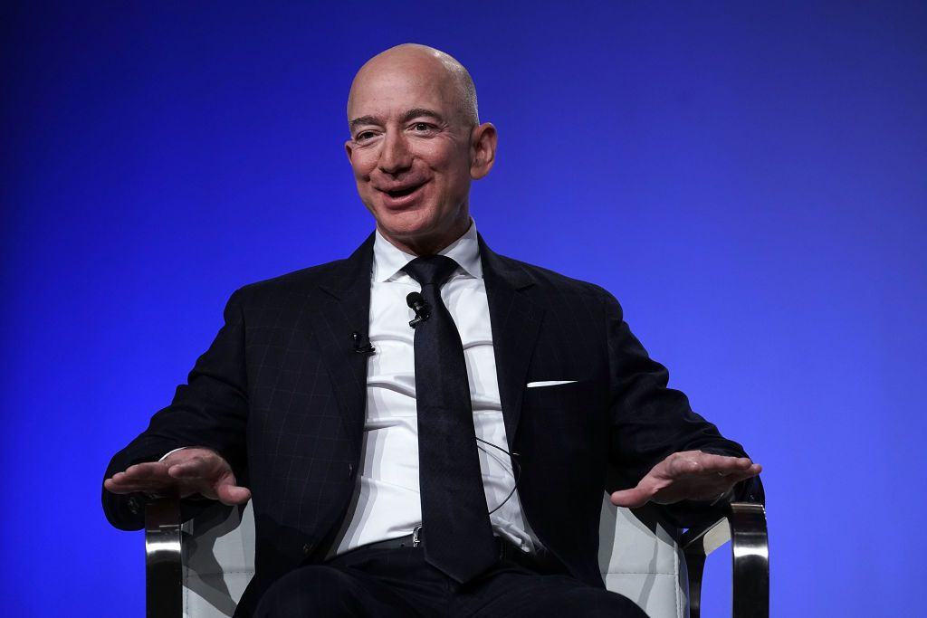 Jeff Bezos is once again the richest person in the world after two weeks at No. 2,