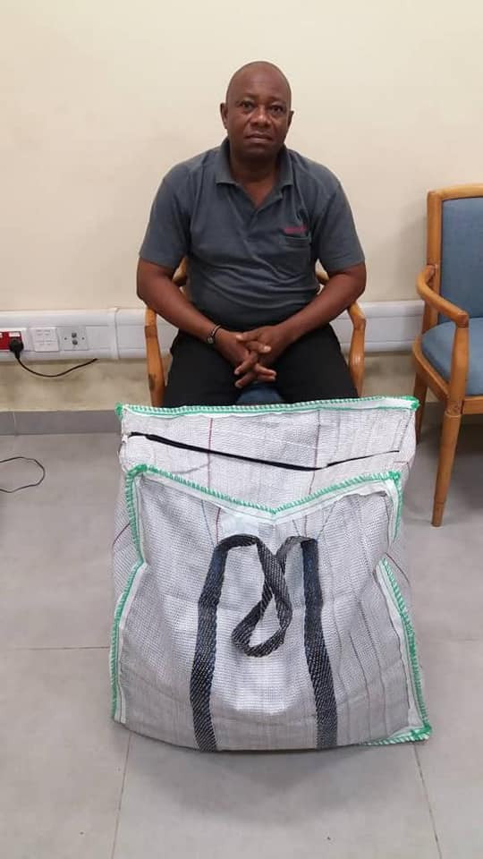 Uber driver and 2 traffickers arrested with cocaine at Lagos airport (photos)