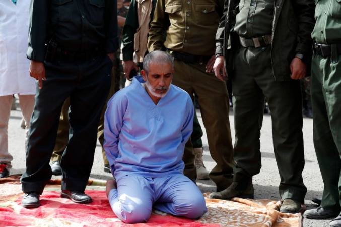 Man accused of murdering his daughters is executed in public in Yemen