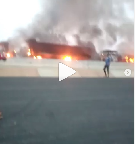 Fire fighters battling to put out fire at Ogeere along Lagos/Ibadan expressway (video)