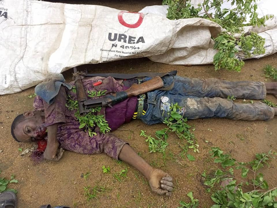 Kidnapper shot dead while attempting to collect ransom in Kogi (graphic photos)