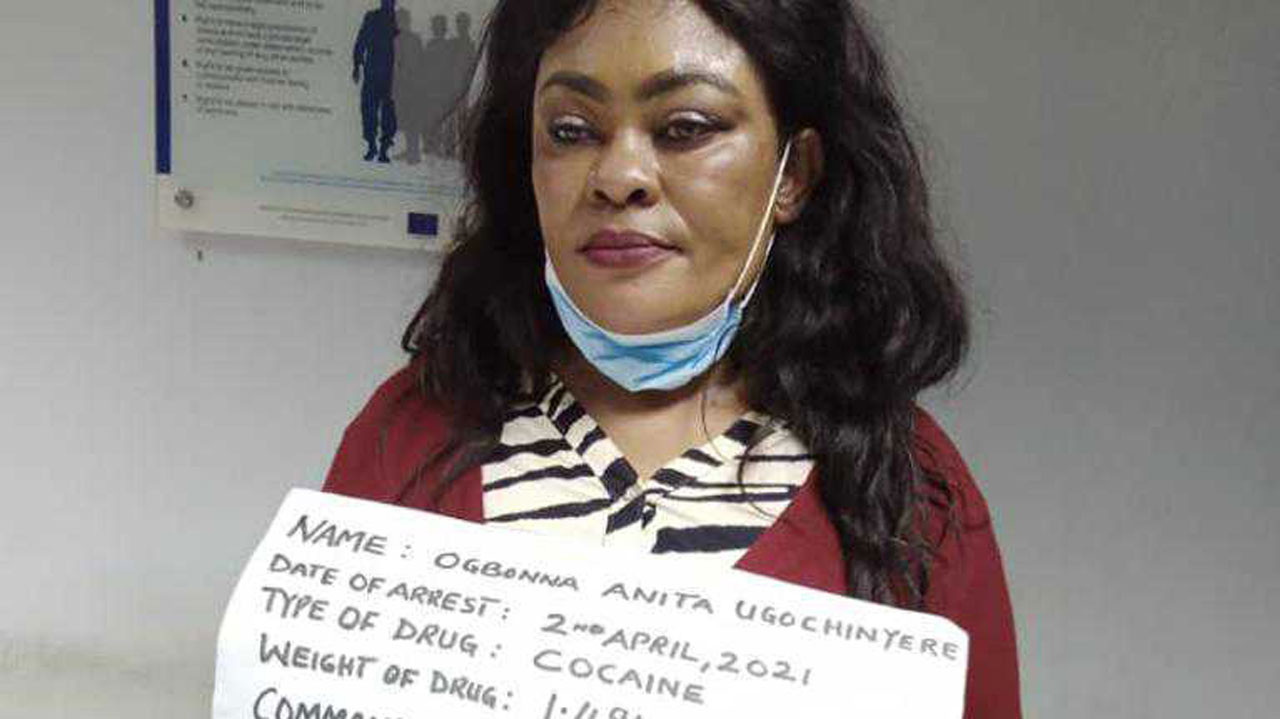 NDLEA arrests Brazil-based mother of three with 100 wraps of cocaine concealed in her private part, handbag (videos)