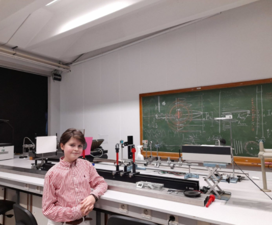 An 11-year-old boy earns a physics degree at Antwerp University while taking master's courses