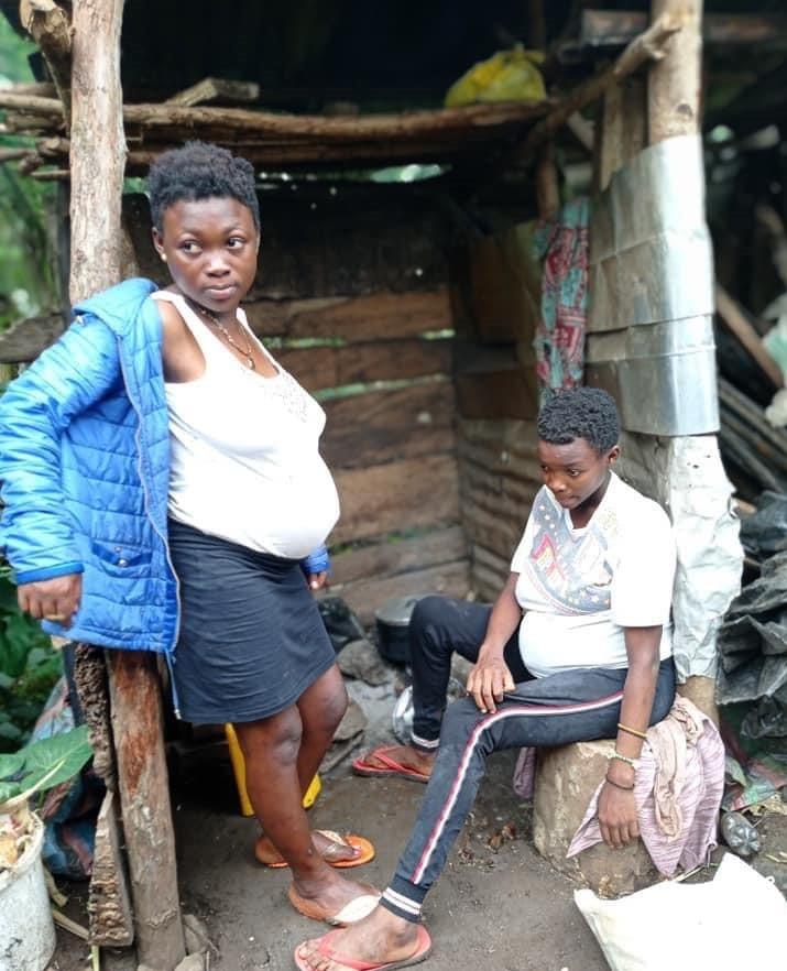 Cameroun : des sœurs jumelles, 16 ans, engrossées par le même homme-(photos)