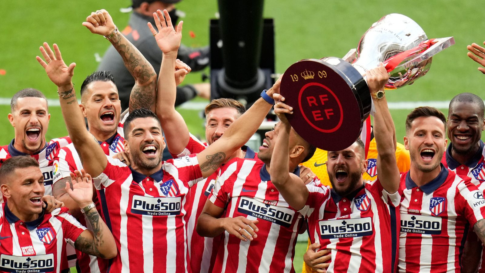 Diego Simeone signs new 3 year deal with Atletico Madrid after winning La Liga title