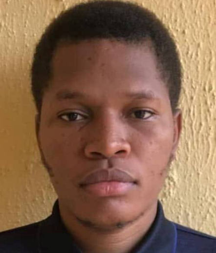 Nigerian undergraduate with no money for tuition awarded scholarship for returning wallet containing lots of cash and valuables