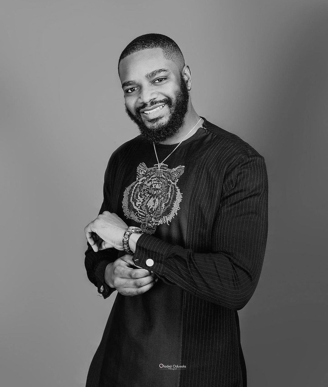 """Leo DaSilva posts professional birthday photos on Instagram shortly after calling it a """"nonsense tradition """" on Twitter"""