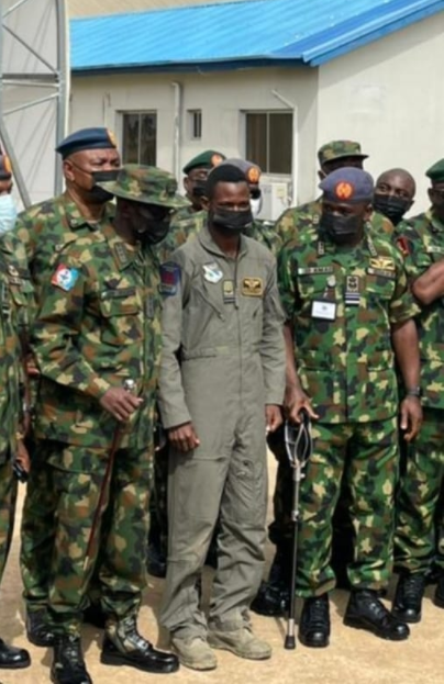 Nigerian Airforce finally confirms fighter jet was shot down by bandits between Zamfara and Kaduna; pilot rescued (photos)