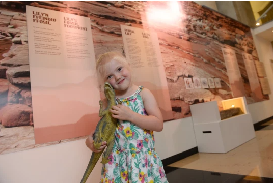 Girl, 4, who found 220,000,000-year-old fossil gets museum display named after her