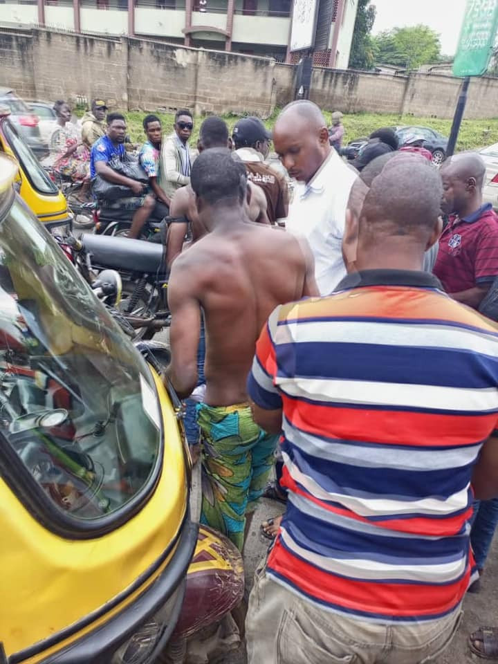 Two suspected thieves caught while allegedly attempting to steal generator in Ibadan