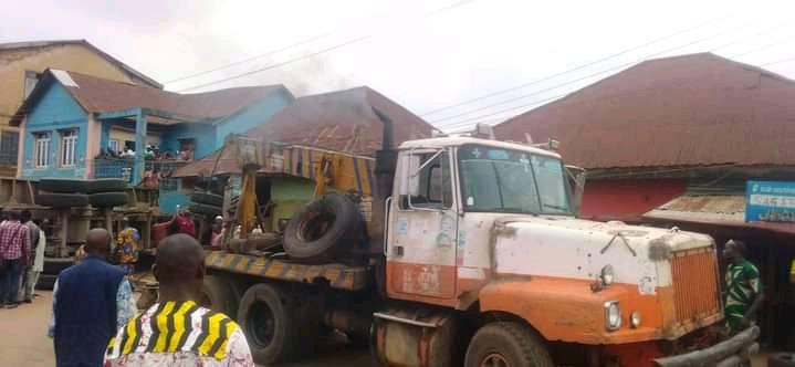 Mother, daughter, one other crushed to death as truck rams into building in Ijebu-Ode