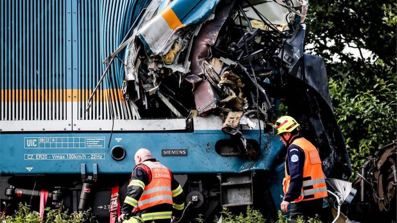 ?Three people killed and more than 40 injured in Czech Republic train crash (photos)