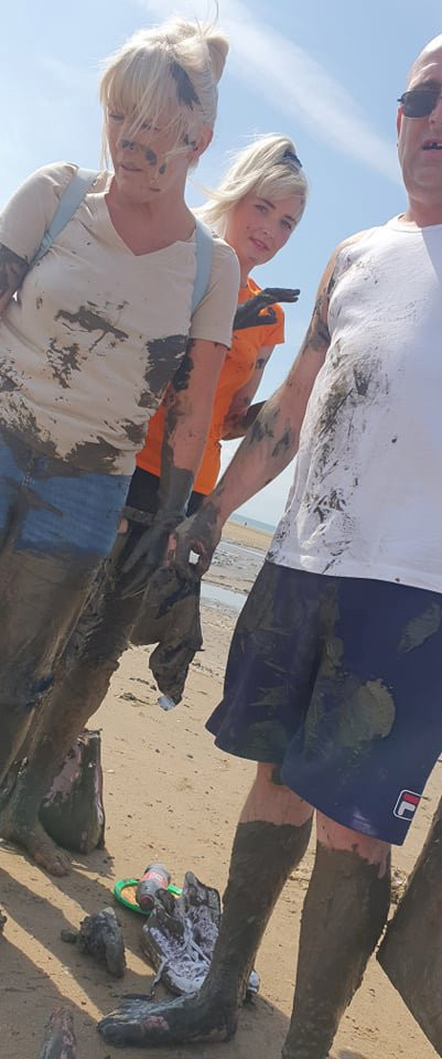 2 year old boy traumatised after getting trapped in quicksand on family trip to beach (photos)