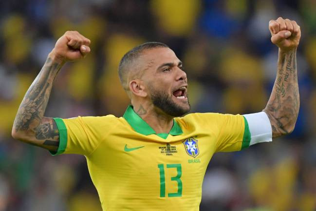 Dani Alves wins his 44th title at the Olympics, extends his advantage as most the decorated footballer of all time.?