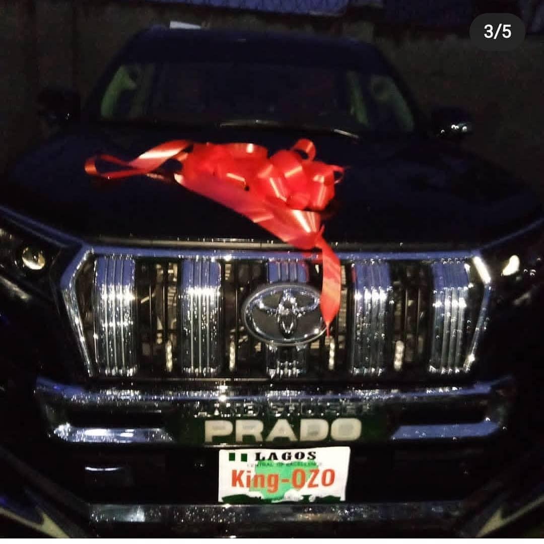 Fans of BBNaija star, Ozo, gift him brand new SUV (photos/Video)