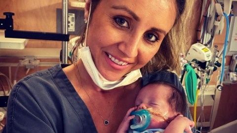 Mother delivers baby three months early after being left in a near-fatal coma by covid-19