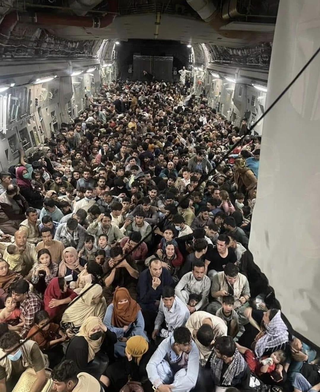 See photo showing inside a US military aircraft evacuating Afghans from Kabul to Qatar