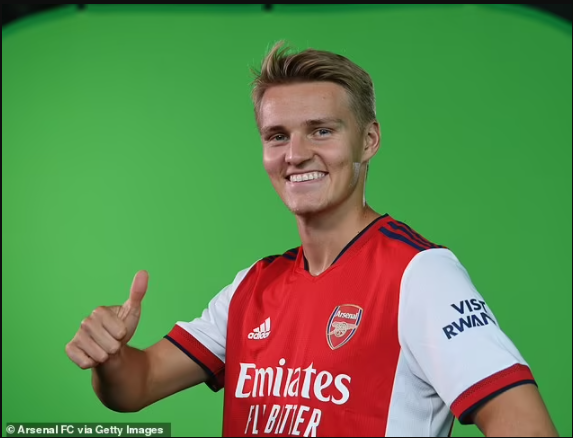 Arsenal confirms ?30m signing of midfielder Martin Odegaard from Real Madrid