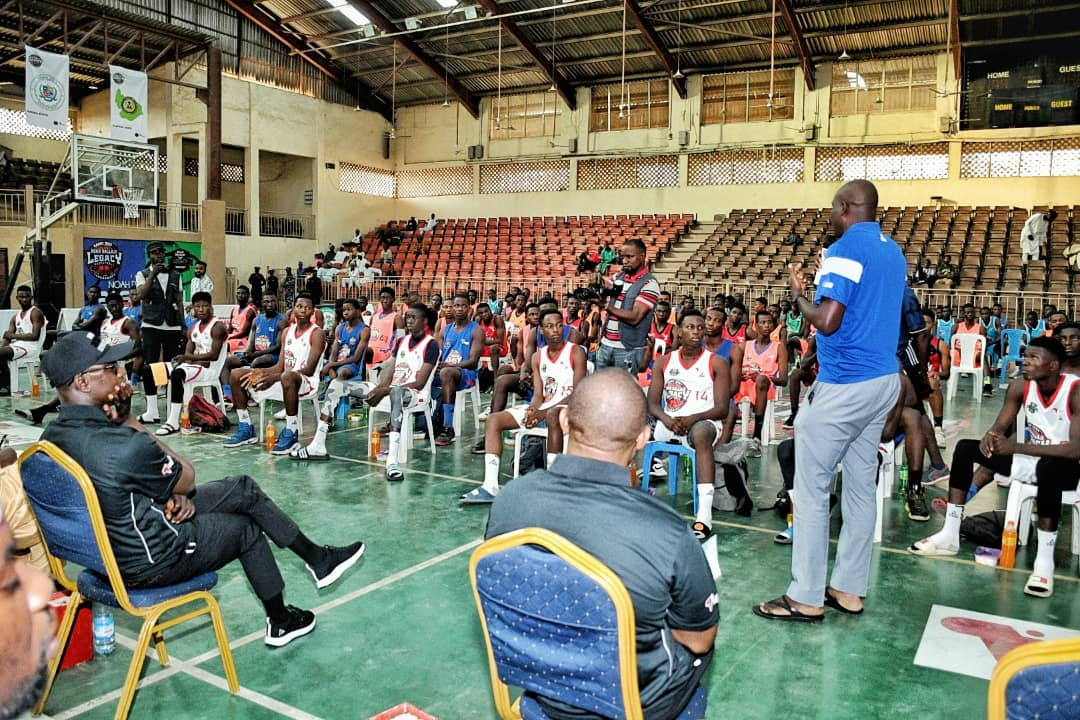 Sexy Yemi Alade teases Kano fans as Noah Dallaji Legacy Basketball Tournament hosts Northern Conference finals (photos)