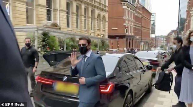 Tom Cruise loses thousands of pounds worth of luggage as thieves steal his bodyguard?s BMW in Birmingham