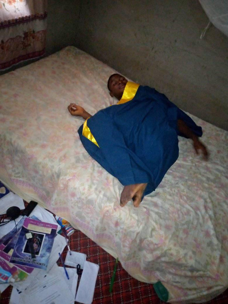 Taraba varsity undergraduates cook, sleep in their matriculation gowns, say the N1K paid for the gowns