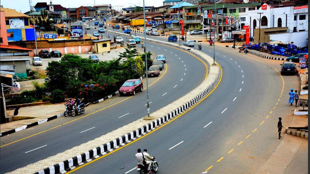 Liquor seller reports himself to police after stabbing his customer to death in Osun