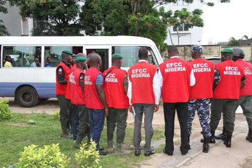 56 hotel lodgers arrested as EFCC operatives raid hotels in Ogun