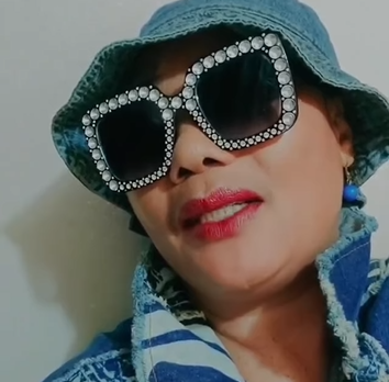 """""""Are you a dog?- actress Eucharia Anunobi tackles people who have the habit of sticking out their tongues (video)"""