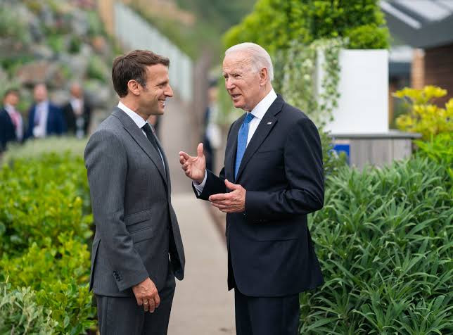 For the first time in history, France recalls its ambassador to the US?after Australia snubbed France to buy nuclear submarines from US